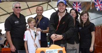Tom Sharp with his family, VCARS.co.uk Director Paul Davis and son Jamie