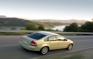 picture of volvo s40 rear