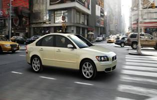 picture of volvo s40 side