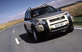 picture of land rover freelander on road