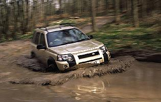 picture of land rover freelander off road