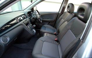picture of mitsubishi outlander interior