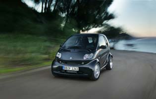 picture of smart fortwo from the front