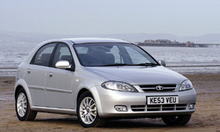 picture of daewoo lacetti from the front
