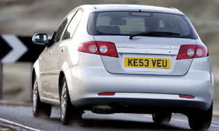 picture of daewoo lacetti from the rear