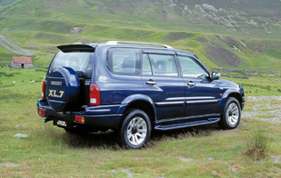 picture of suzuki grand vitara xl-7 from the side