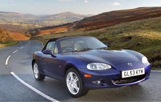 picture of mazda mx-5 from the front