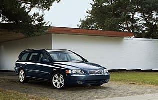 picture of Volvo V70 from the front