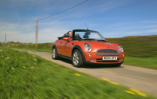 picture of mini convertible from the front