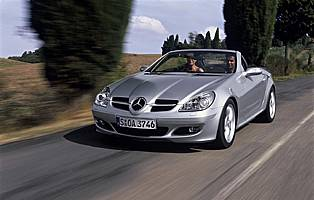 picture of mercedes slk from the front