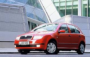 picture of skoda fabia from the front