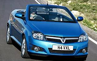 picture of vauxhall tigra in action