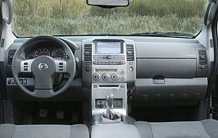 Car Reviews Nissan Pathfinder 2 5 Dci Se The Aa
