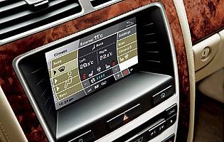 picture of jaguar xk touchscreen