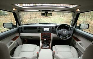 picture of commander interior