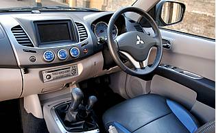 Diesel Pickup Trucks >> Car Reviews: Mitsubishi L200 2.5 DI-D Animal Double Cab - The AA