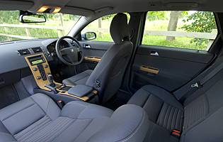 Volvo V Interior on 2000 Volvo S40