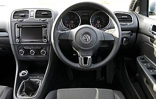 car reviews volkswagen golf  tdi se estate aa