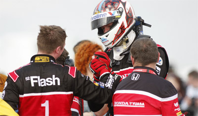 Honda Yuasa Racing at Thruxton BTCC