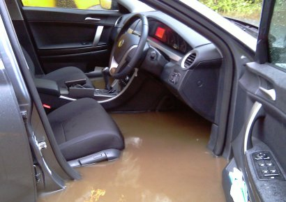 flooded car photo