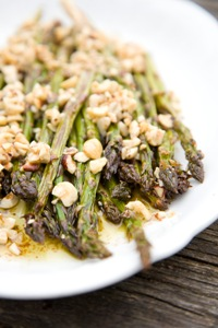 Roasted asparagus with hazelnut dressing