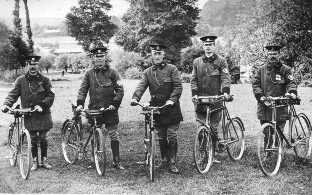 1914, AA patrols on bicycles, Oxford Road