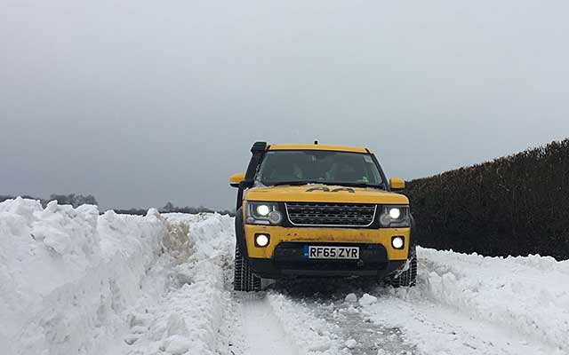 Land rover hampshire snow