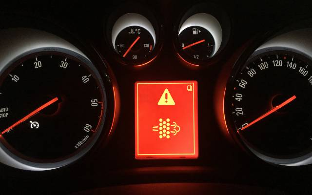 Diesel particulate filter warning light
