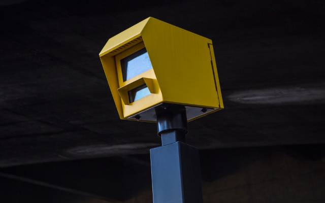 Speedcurb speed camera