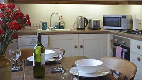 ExploreUK – for all AA-rated hotels, B&Bs, campsites and